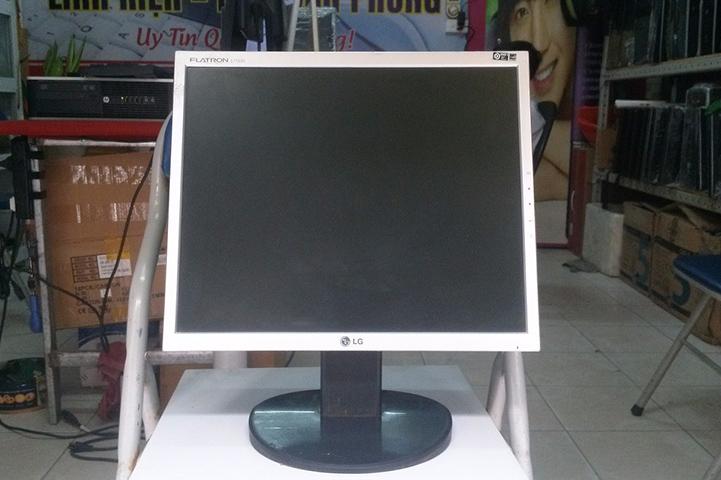 man hinh PC LG 17 inch